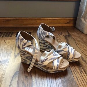 TOMS Ikat Wedge Sandal Size 8.5